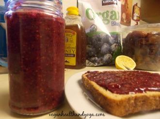 raw blueberry chia jam